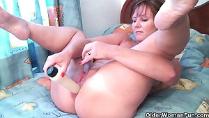 British grannies Joy and Becky love anal step